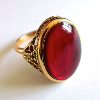 Red Glass Oval Ring, Gold Tone, Adjustable, Vintage