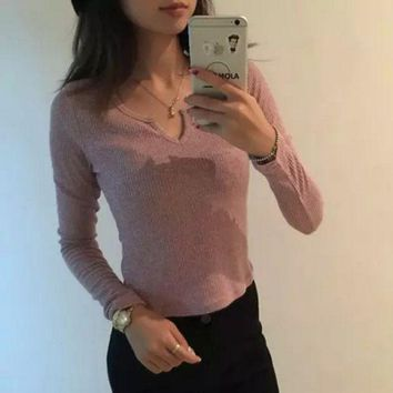 DCCKL72 Simple Casual Small V-neck Long Sleeve Sweater