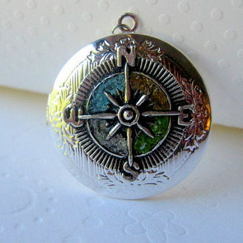 Stained Glass Compass Locket, Round Locket, Glass Locket, Compass Jewelry, Element Compass