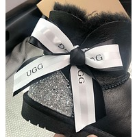 UGG Ribbon with two snow boots