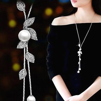 Elegant Rhinestone Leaf Pendant Long Necklace Women Simulated Pearl Necklaces Fashion Jewelry Costume Accessories