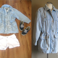 vintage CHAMBRAY Denim Anorak Jacket / Light Blue Jean Coat