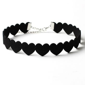 Casual Velvet Heart Choker Necklace