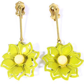 Green and Yellow Mod Dangle Drop Flower Earrings, Vintage 1960s 1970s Chartreuse Enamel Floral Clip Ons, Flower Power Jewelry