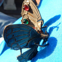 Vintage Brass Glass Cabochon Moveable Butterfly Brooch
