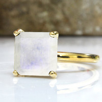 25% OFF SALE - gold moonstone ring,rainbow moonstone jewelry,square ring,gemstone ring,vintage ring,statement ring,fashion ring