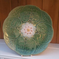 Victorian Majolica water lily plate / excellent condition /majolica display plate