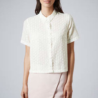 SCALLOP EDGE EMBROIDERED SHIRT