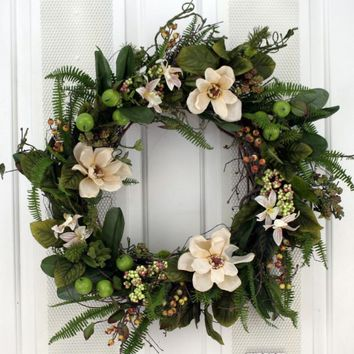 Cream Flowers, Berries and Ferns Decorative Door Wreath (24 inch)