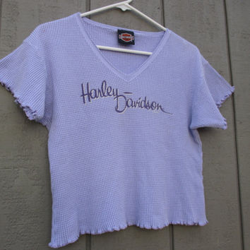 Harley Thermal Crop Top / 1990s / Ruffle Hems / Light Purple / Waffle Weave / Oversize Fit / Small / Medium / V Neck / Pastel