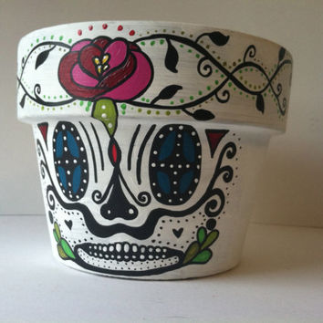 Day of the Dead flower pot planter Sugar skull catrina Rose vine Halloween decor succulent garden hand painted terra-cotta pot skeleton mask