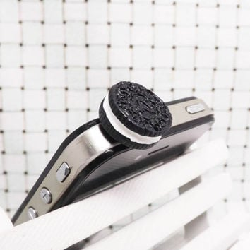 Black Chocolate Oreo Cake Cookie Biscuit Anti Dust by Polaris798