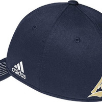 adidas Notre Dame Fighting Irish Navy Structured Flex Fit Hat (S/M)