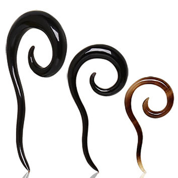Spiral Buffalo Horn Taper with Tail