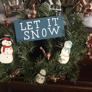 "Snowman Wreath With ""Let It Snow"", 15"" Wreath!!"