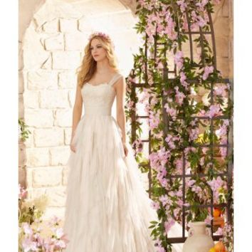 Mori Lee 6808 Destination wedding dress, embroidered lace Ivory Size 10