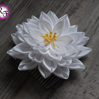 Bridal hair accessory , wedding tone comb Flower , Beautiful white Flower . hair accessory , Bridal hair piece ,  wedding hair flower