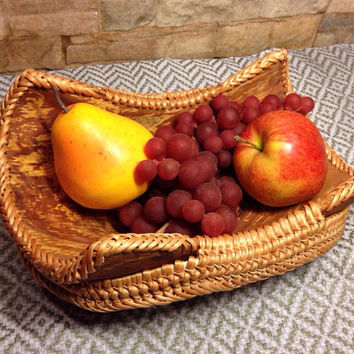 Wood & wicker fruit tray, bowl