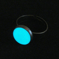Enchanted Full Moon Ring Glow In The Dark Antique Dark Silver And White (glows blue)