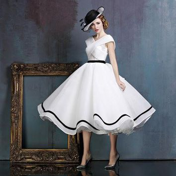Elegant Cocktail Dress Ivory Satin Black Ruched Sashes Ribbons Vestidos De Festa Hollow Open Back Tea-Length Party Gowns D28
