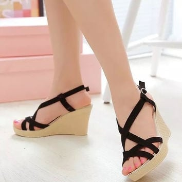 Trendy Roman Wedge Heel Sandals