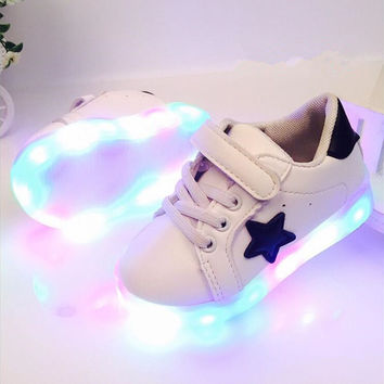 New Arrived Autumn Yeezy Shoes Colorful LED Shoes Children Heelies For Kid Sneaker Casual Non-Slip For Year 1-6 enfant #B0
