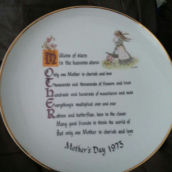 Adorable and Cute Vintage Holly Hobbie Mother's Day 1973 Plate