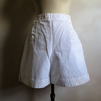 Vintage 80s LACOSTE Shorts White Sailor Made in France 1980s Devanlay Tennis Old School Womens Shorts 44