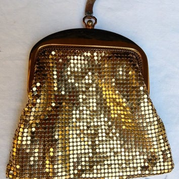 Whiting and Davis Gold Mesh Purse Flapper Coin Purse Mesh Wristlet Perfect Gift