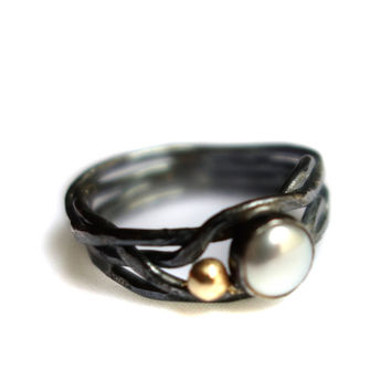 Single Pearl Nest Ring with 14k Gold Pebble