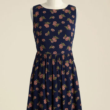 To Be in Your Essence Floral Dress in Navy | Mod Retro Vintage Dresses | ModCloth.com