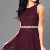 Short Sleeveless V-Back Lace Homecoming Dress