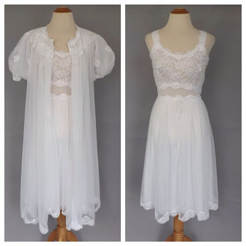 Vintage 1950s Peignoir Set Shadow Line White Nightgown Robe Lingerie Lace Teddy Mad Men Pin Up Girl 1960s Boudoir Fashion Wedding Night