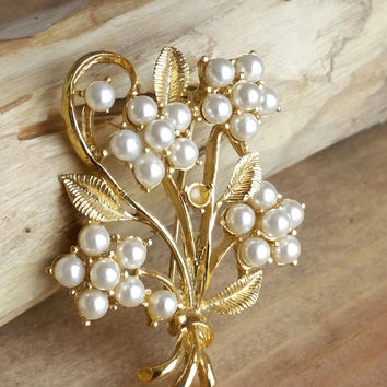 Estate Jewelry - Leaf Gold and Pearl Brooch