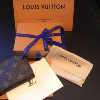 Louis Vuitton mini zip around wallet