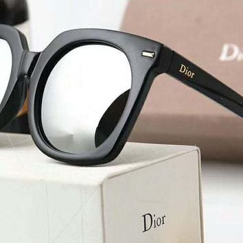 DIOR Stylish Ladies Men Personality  Logo Letter Summer Sun Shades Eyeglasses Glasses Sunglasses(5-Color) Silver I-A-SDYJ