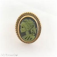 Zombie skeleton cameo ring, gothic jewelry from celdeconail