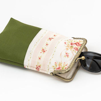 Shabby chic Sunglasses Case - Eyeglasses case - Green with Pink - Fabric Glasses case - Antique Bronze Frame
