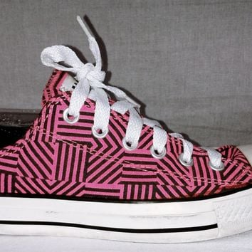 166299 Converse Chuck Taylors Hot Pink & Black Striped Converse Sneakers Size 9