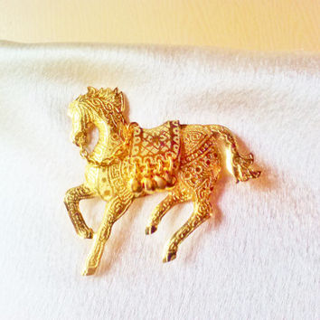 Vintage NIB Gold Arabian Horse Jingle Action Stick Pin Hat Coat Jacket Brooch Circus Horse Animal Figural Sparkly Costume Jewelry Estate
