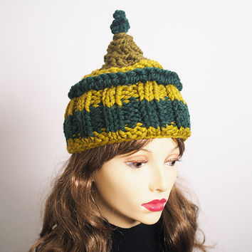 Woman knit hat - Green hat - Chunky knit hat - Teen girl beanie - Woman winter hat - OOAK knit cloche - Olive green toque - Fall accessories