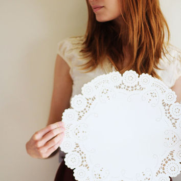 modern doily table decor centerpiece