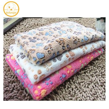 Hot Sale Pet Kennel Mat Thermal Blanket Dog Quilt Polka Dot Air Conditioning Blanket Pet Product Autumn Winter mat 3 Sizes MPC07