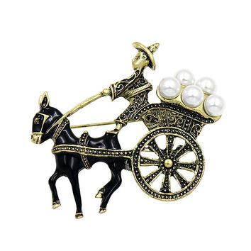 New Arrival WEIMANJINGDIAN Brand Vintage Style Horse Carriage Brooches with Simulated Pearls