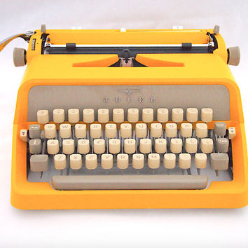 CHRISTMAS SALE!* Adler Junior 20 typewriter, yellow typewriter, 1960, working typewriter, portable typewriter, vintage typewriter, qwerty.