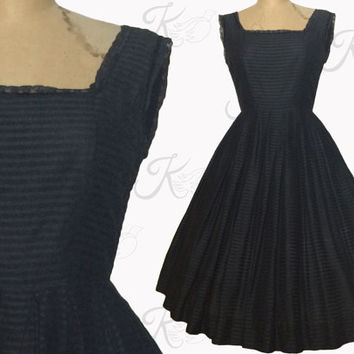 Vintage 1950s Dress, 50s Dress, Rockabilly Dress, Full Skirt, Black Dress, Sleeveless Dress, Medium Dress, Lace Dress, Circle Skirt