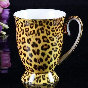 Bone China Coffee Mug with Gold Inlay Classic to Vintage Styles