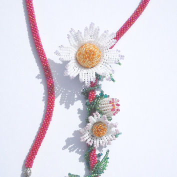 Berringbone necklace -  Beaded necklace -beads crochet and daisies beaded