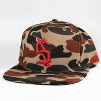 SUPERB | LE UNSTOPPABLE HOMME — The Duck Down Camo Snapback