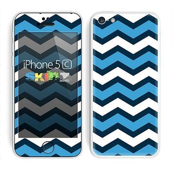 The Blue Wide Chevron Pattern Skin for the Apple iPhone 5c